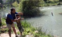 Fin de semana de pesca para los más pequeños en Durango y Sopuerta