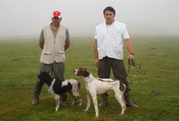 Ángel Venero con su pointer «Dakar», ganadores del regional cántabro de perros de muestra