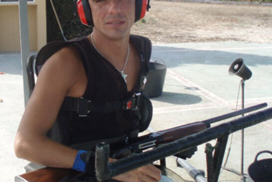 «Me sometí a infinidad de operaciones para poder coger una escopeta con mi mano»