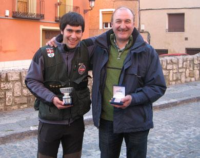 El vasco Mikel Iturralde en el podio del Campeonato Estatal de Caza Menor con Perro