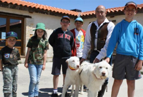 """53 niños interactúan con el entorno natural en el proyecto """"Naturaleza Real"""""""