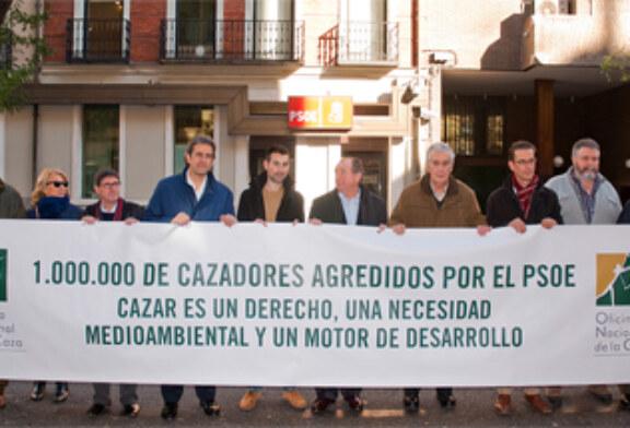 El PSOE desautoriza a Andrés Perelló y manifiesta su apoyo a la caza tras la concentración de la ONC ante su sede