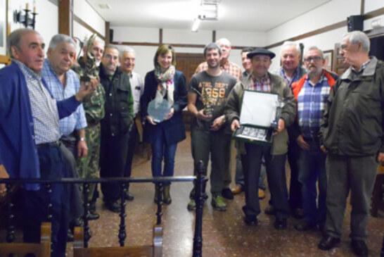 La sociedad de Sopuerta homenajea a Irene Pardo en el II. Memorial Felipe Ortiz