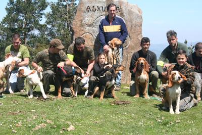 """Asier Sierra y """"Moro"""", campeones de Bizkaia una vez más en perros de rastro"""