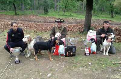 Podio vizcaíno en el Campeonato de Euskadi de perros de rastro