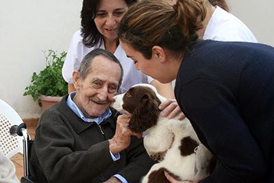 FEDEXCAZA desarrolla una actividad terapéutica en una residencia de mayores