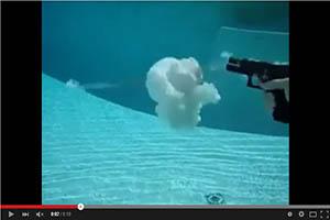 Disparo debajo del agua