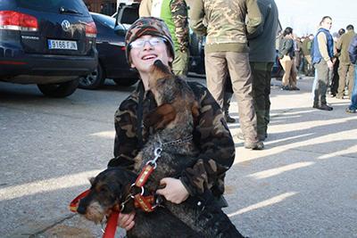 La ONC lamenta y condena el abandono de perros