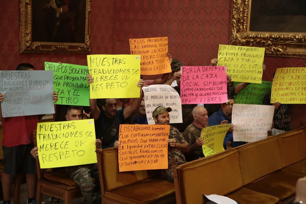 Los cazadores de Mallorca alzan la voz ante la posible eliminación de los terrenos libres de aprovechamiento común.