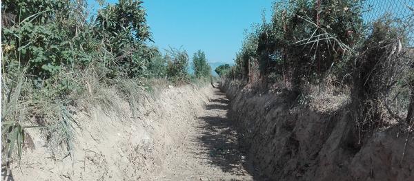 URA y viticultores de Lanciego han recuperado la capacidad hidráulica de un tramo de 550 metros de la regata Valvarriniga