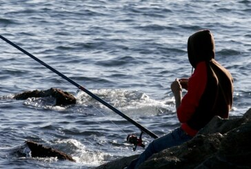 Desaparecido un pescador en el espigón de Ondarroa