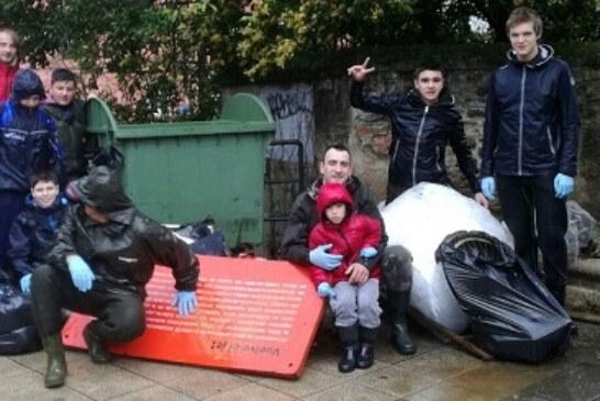 Adecapgazteak celebrará su II recogida de basuras del río Mañaria