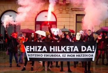 Concentración anti caza en Bilbao. Mucho ruido y pocas nueces
