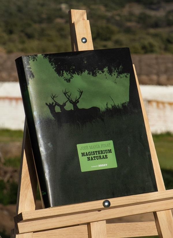 Fundación Asisa publica el primer libro de fotografías de José María Finat, un homenaje al monte mediterráneo