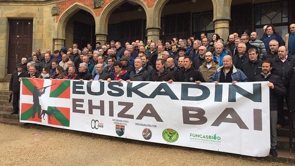 La Federación Gipuzkoana de Caza anuncia oficialmente la manifestación de cazadores de 5 de mayo