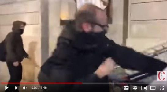 La violencia animalista se extiende (+ vídeo ataque al Ayuntamiento de Barcelona)
