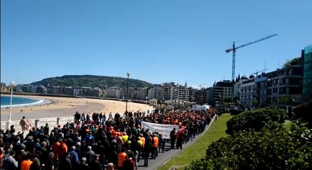 Más de 15.000 cazadores dan una lección de civismo y respeto en la manifestación de San Sebastián