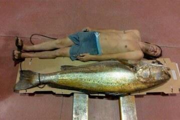 Tremenda corvina de 180 centímetros pescada en Huelva