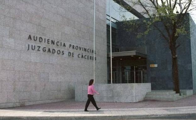 Condenan a un furtivo que mató a un venado valorado en 3.413 euros