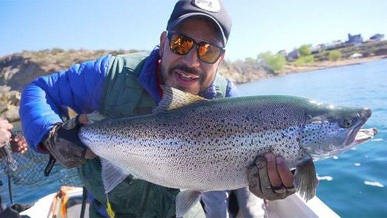 Pescan trucha de mas de 15 kg en Argentina